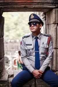 Traffic cop cambodia